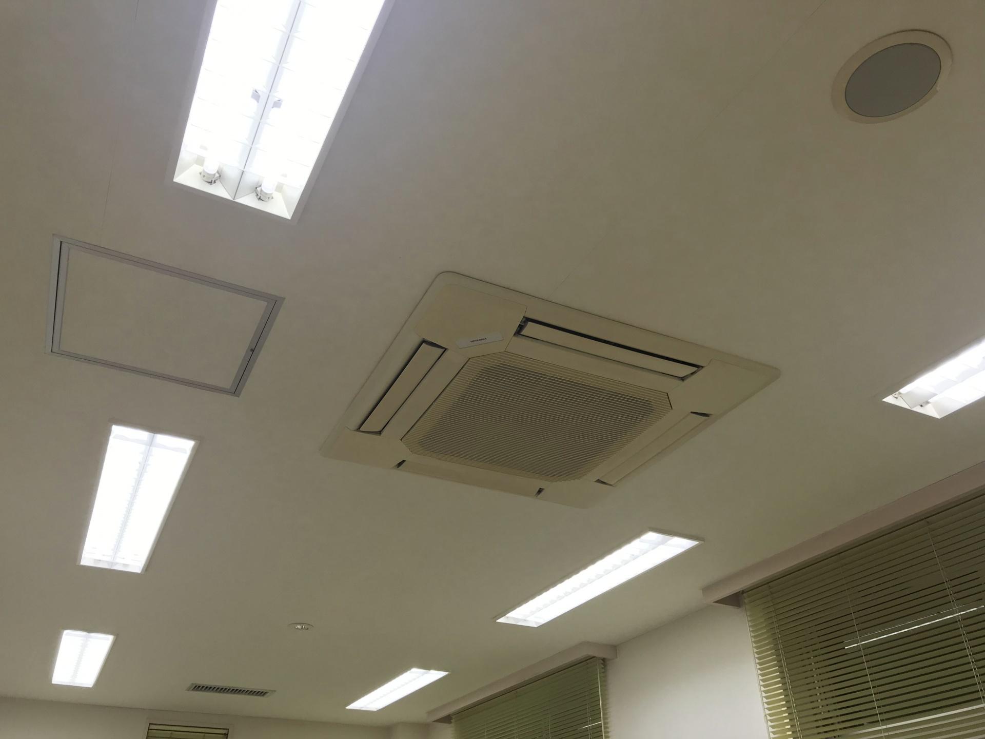 天井埋込型エアコンもクリーニング